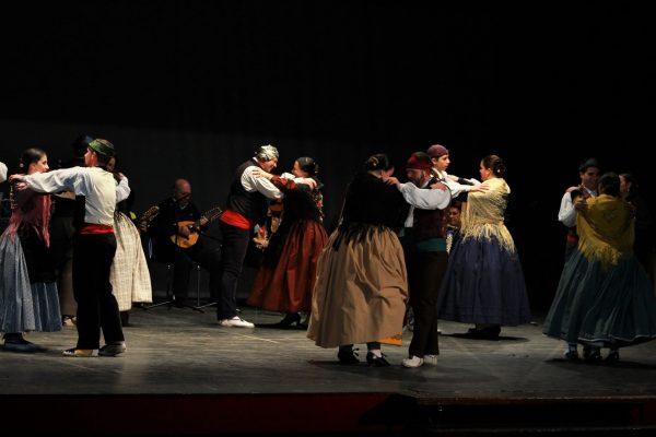 Cantares Viejos de Requena, pels carrers de Ròtova